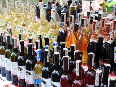 butelki win i miodów pitnych